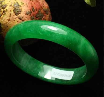 ได้รับการรับรองธรรมชาติมรกตสีเขียวหยกJadeiteกำไลสร้อยข้อมือที่ทำด้วยมือ