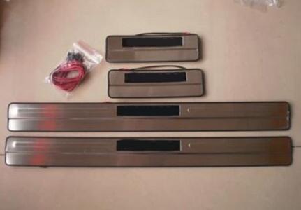 カーアクセサリーステンレス鋼ledサイドドアスカッフプレートドア敷居トリムフォードモンデオMK4 2008  2013 4ピース/セット
