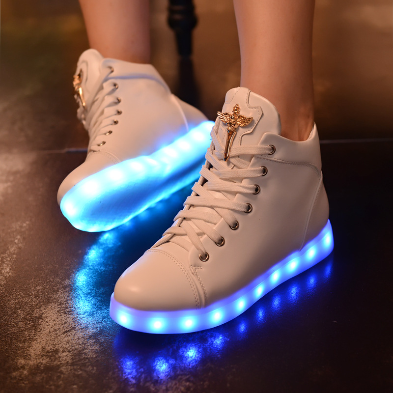 Altos zapatos superiores led mujeres planos de la manera zapatos casuales  sólid