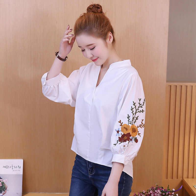 2018 Летняя женская белая рубашка с v-образным вырезом и цветочной вышивкой, Свободная Повседневная блузка, топы