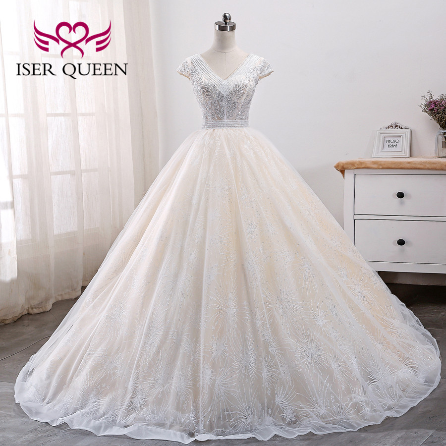 Short Sleeve V Neck Heavy Beading Europe Wedding Dress
