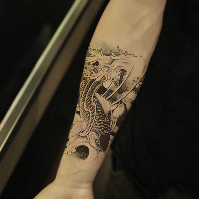 Broccato carpa pasta tatuaggio fiore di loto tatuaggi for Carpa koi costo