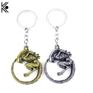 High quality Game Aliens Predator AVP Keychain old tin & antique gold color keychain Alien Queen pendant keyring Accessories