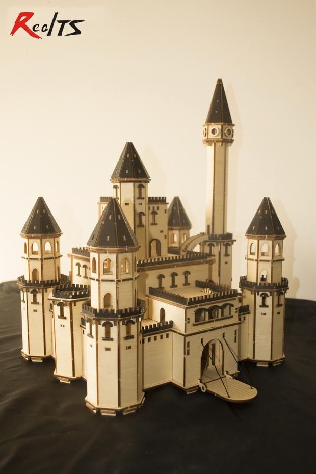 RealTS modèle classique européen château le conte de fées château noir docteur en bois modèle bricolage kit de jouets