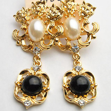 New Baroque Style Vintage Palace Long Earrings For Women Simulated Pearl Drop Pendents