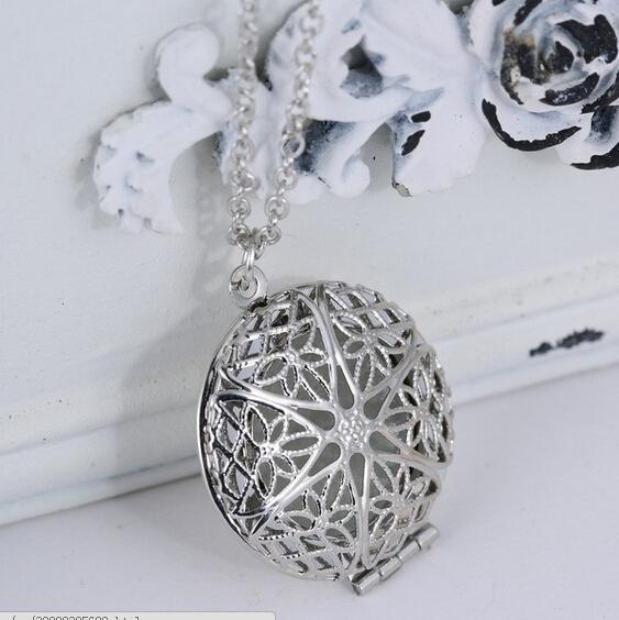 Mandala Glowing in the Dark Necklace