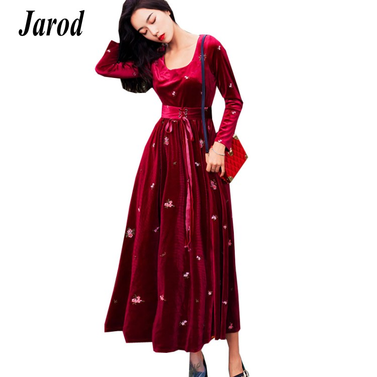 c26905f0b43a8 Haute-Qualit-2018-Automne-Hiver-Vin-Rouge-Velours-Big-Swing-Party-Femmes- Robe-Manches-Longues-Broderie.jpg