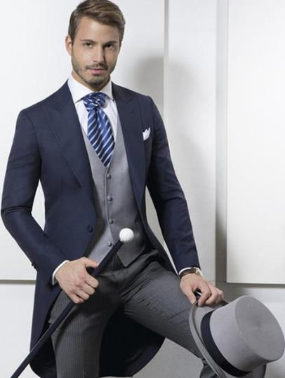 TPSAADE Custom Made Classic Ontwerp Marineblauw Tailcoat Bruidegom Smokings Heren trouwpak Prom Kleding Mannen Pak (Jasje + broek + Vest)-in Pakken van Mannenkleding op  Groep 1