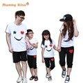2017 Nueva Familia Mirada de Algodón Blanco Camisetas + Pantalones Negros, estilo de verano A Juego de la Familia Ropa de Padre y Madre y Niños Trajes k20