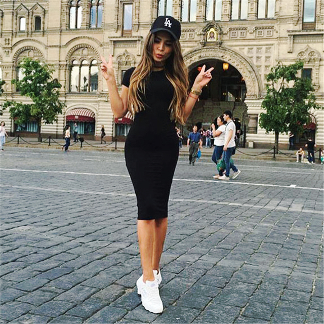 Vestido negro basico manga
