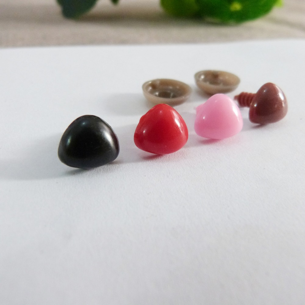 100pcs/lot 9/11/15/18/20/22/26/29/35mm red/black/brown/pink Triangle plastic safety toy noses & soft washer for plush doll