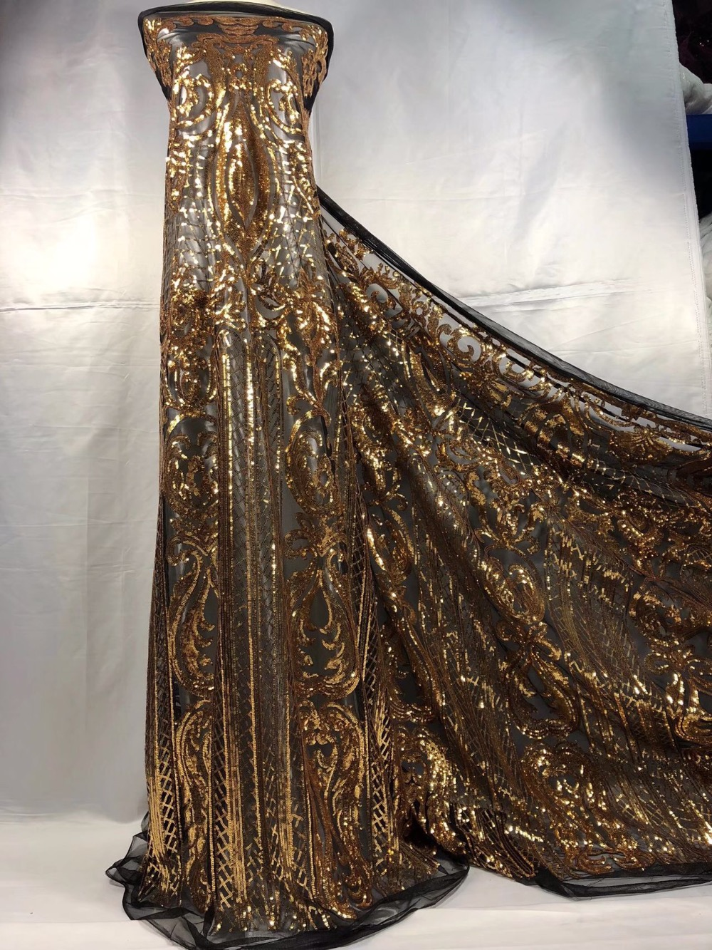 2019 French net lace fabric with sequins African Lace Fabric 5yards luxury design gold Sequins Lace