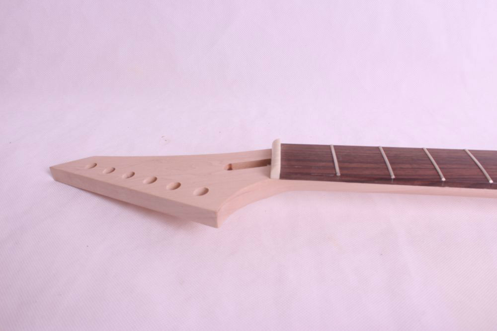 1 pcs unfinished electric guitar neck mahogany made and rosewood fingerboard 24 Fret black color 24 frets holt on one electric guitar neck mahogany wood and rosewood fingerboard 171