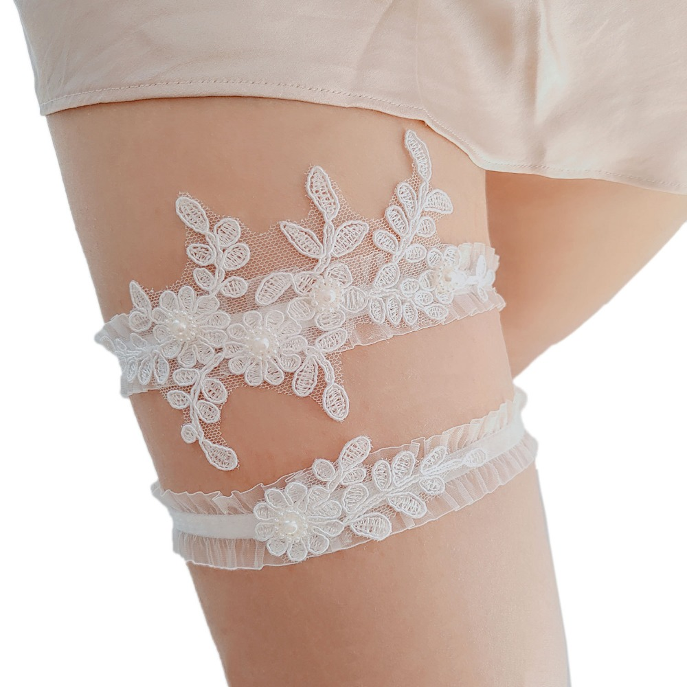 White Flower Wedding Garter Set, Bridal Garter, Beaded Lace Garter Plus Size Elasticity Garter