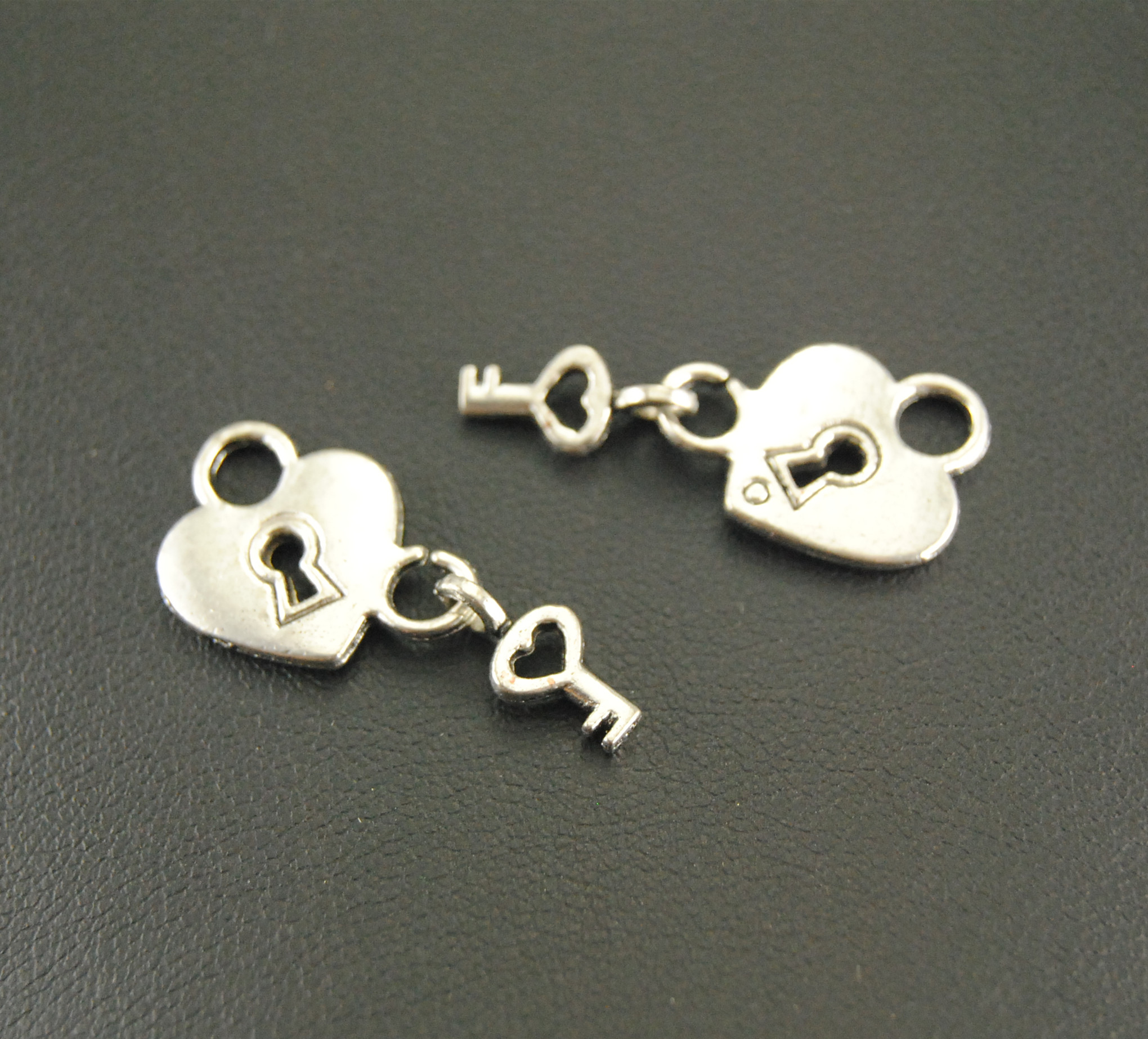 10 Pcs Antique Silver Heart Lock And Key Charm Bracelet Necklace Jewelry Making Handmade DIY A592(China)