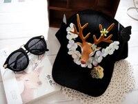 الأزياء الفريدة زهرة شقة كاب اليدوية القوطية الهيب شارع قبعة أليس رئيس الغزلان الغابات القبعات الصيفية للنساء