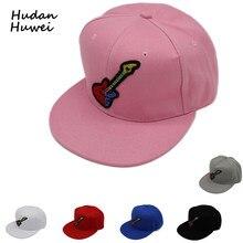 Ala plana Unisex ajustables 6 Panel tendencia gorra de béisbol Hip Hop Caps  sombreros con Guitar Logo Gorras Sunhat para hombres. 1fa3ccac2b4