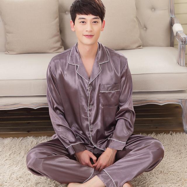 Hombres pijamas de ocio de primavera y otoño de manga larga delgada sección de código más grasa suelta de seda de hielo hogar servicio de dos trajes