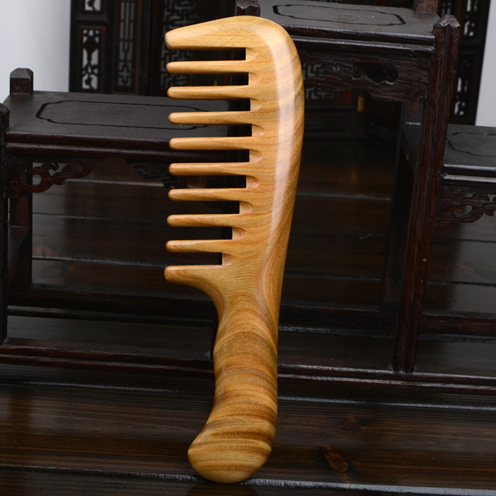 Купить с кэшбэком 100% Natural Genuine MINGJIANG JINGPIN high quality Green Sandalwood Handmade Wide Tooth Wooden Combs for wavy hair