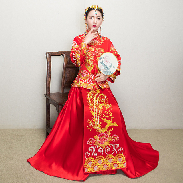 33edeb941 Traditional Chinese Gown Bride 2017 New Wedding Cheongsam Women Phoenix  Embroidery Dress Modern Qipao Red Oriental Dresses