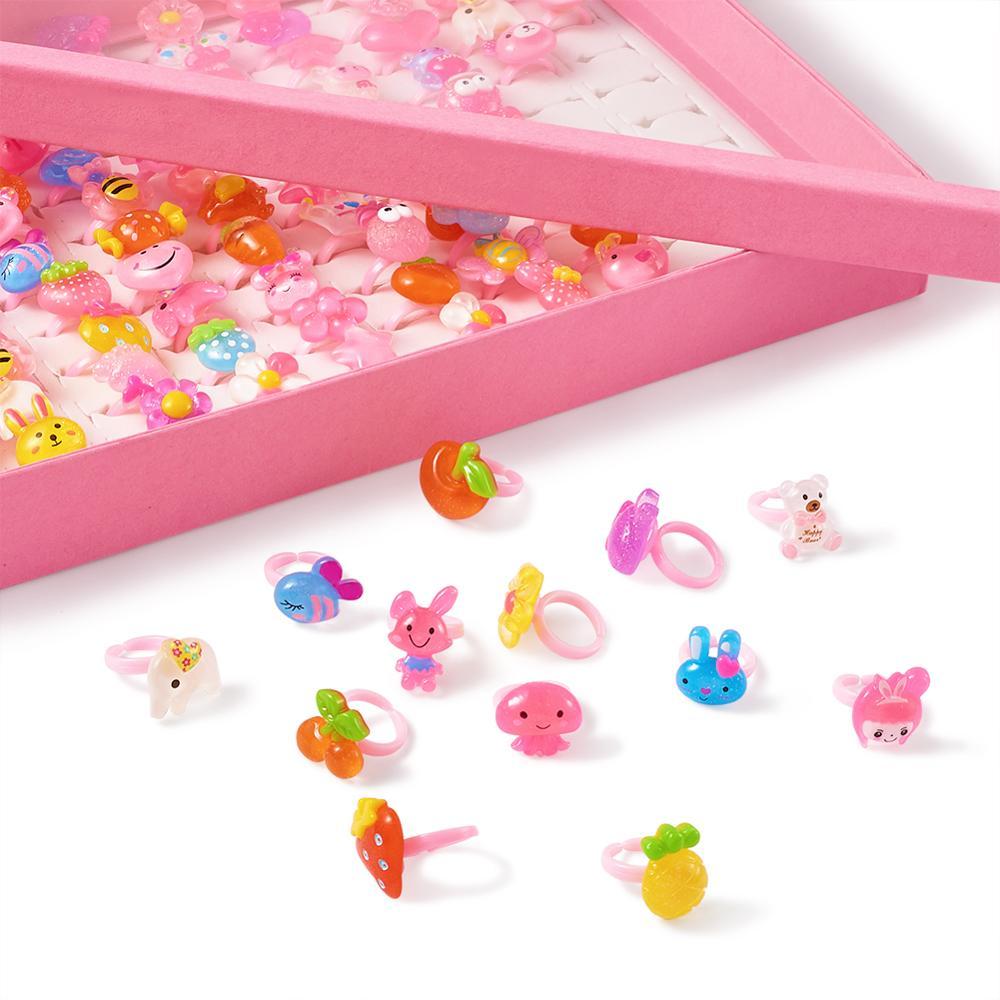 100 stücke Kinder Nette Cartoon Finger Ringe Harz Candy Farbe Tiere Blume Herz Mit Display Box Geburtstag Geschenke Für Kinder mädchen