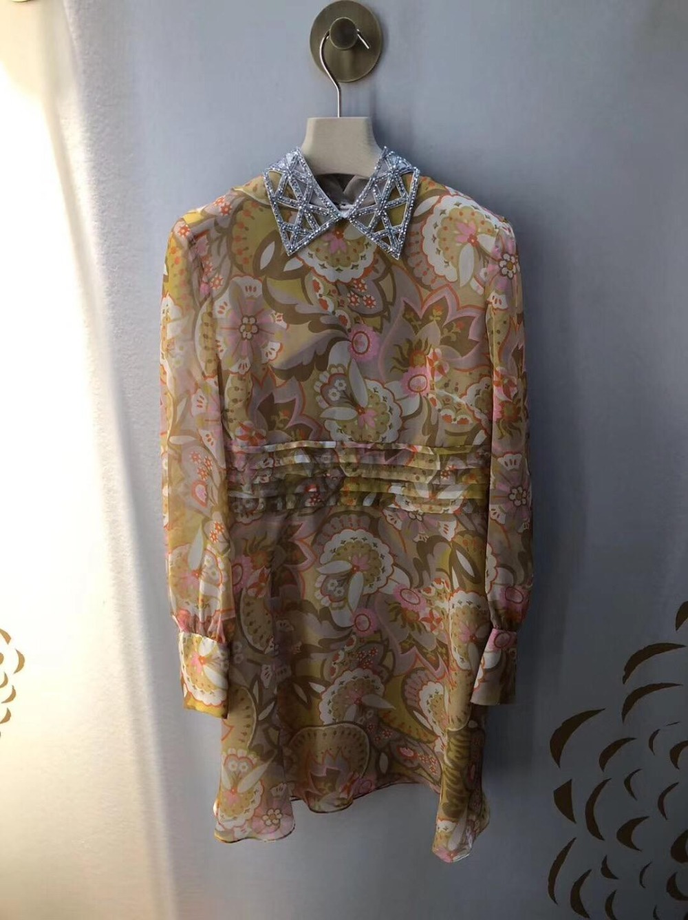 2019 new ladies fashion long sleeved V neck cotton dress 0415