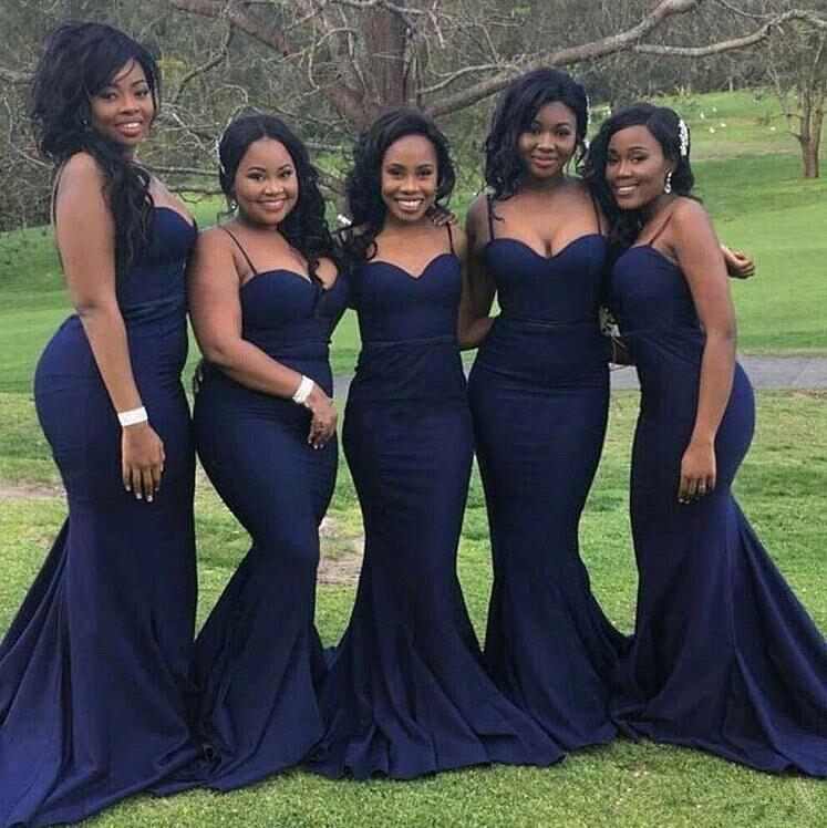 כחול כהה 2018 שמלות שושבינה זולות תחת 50 בת ים ספגטי רצועות סאטן ללא משענת שמלות חתונה הארוכות