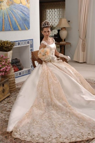 Wholes Clical Free Shipping Loyal Europe Style White Lace Satin Wedding Dress In Dresses From Weddings Events On Aliexpress Alibaba