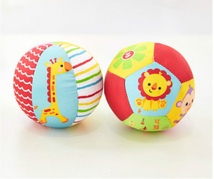 1pcs Soft Stuffed Toy Balls Baby Ball Toys Baby Rattles Infant Babies Body Building Animal Ball For 0-12 Months Color Randomly