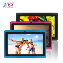 7 pulgadas Quad core android 4.4 tablet pc para niños Q8 Q88 linterna allwinner 512 M 8 GB bluetooth HD 1024*600 tabletas de doble cámara wifi