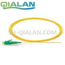 LC APC ضفيرة 1m 1.5m 3m 10m البسيط 0.9 مللي متر سترة من كلوريد متعدد الفينيل وضع واحد LC/APC ftth كابل بصري سلك توصيل من الألياف الضوئية