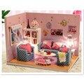 DIY Handmade De Madeira Doll House com Móveis, Engraçado Doce Juntos Em Miniatura Casa Brinquedos para Crianças/Presente do Amigo