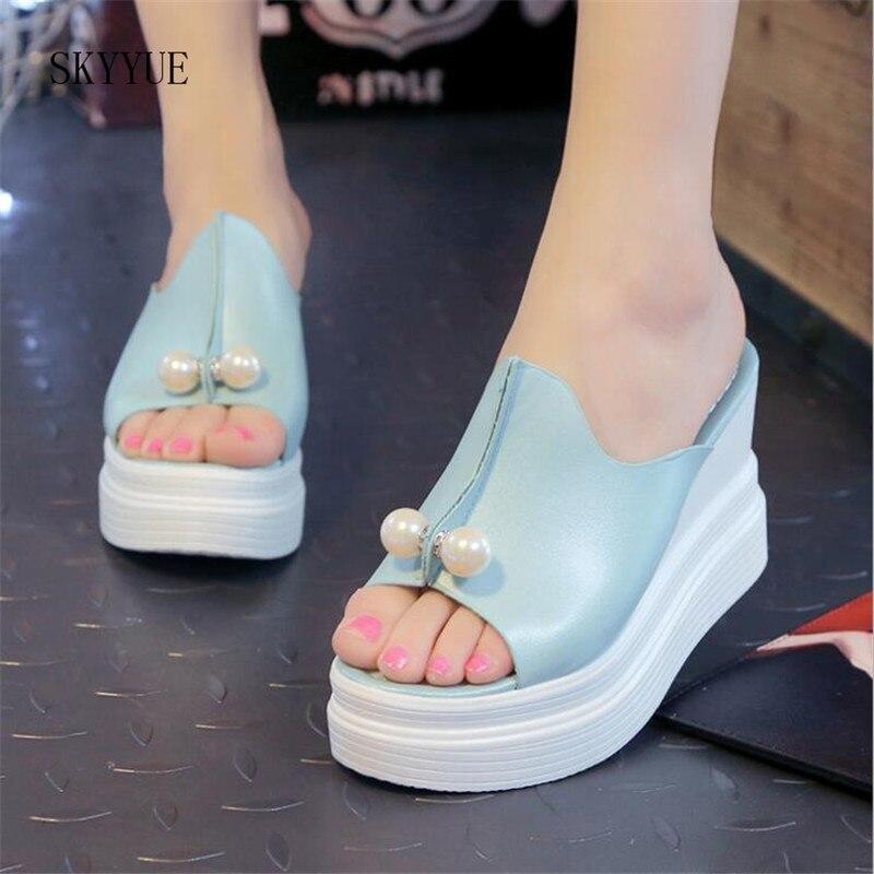 Femmes D'été Sandales Épais Talon Plate-Forme Cales Sandales Sexy Perles Pantoufles Sandalias Diapositives Blanc Noir Haute Chaussures