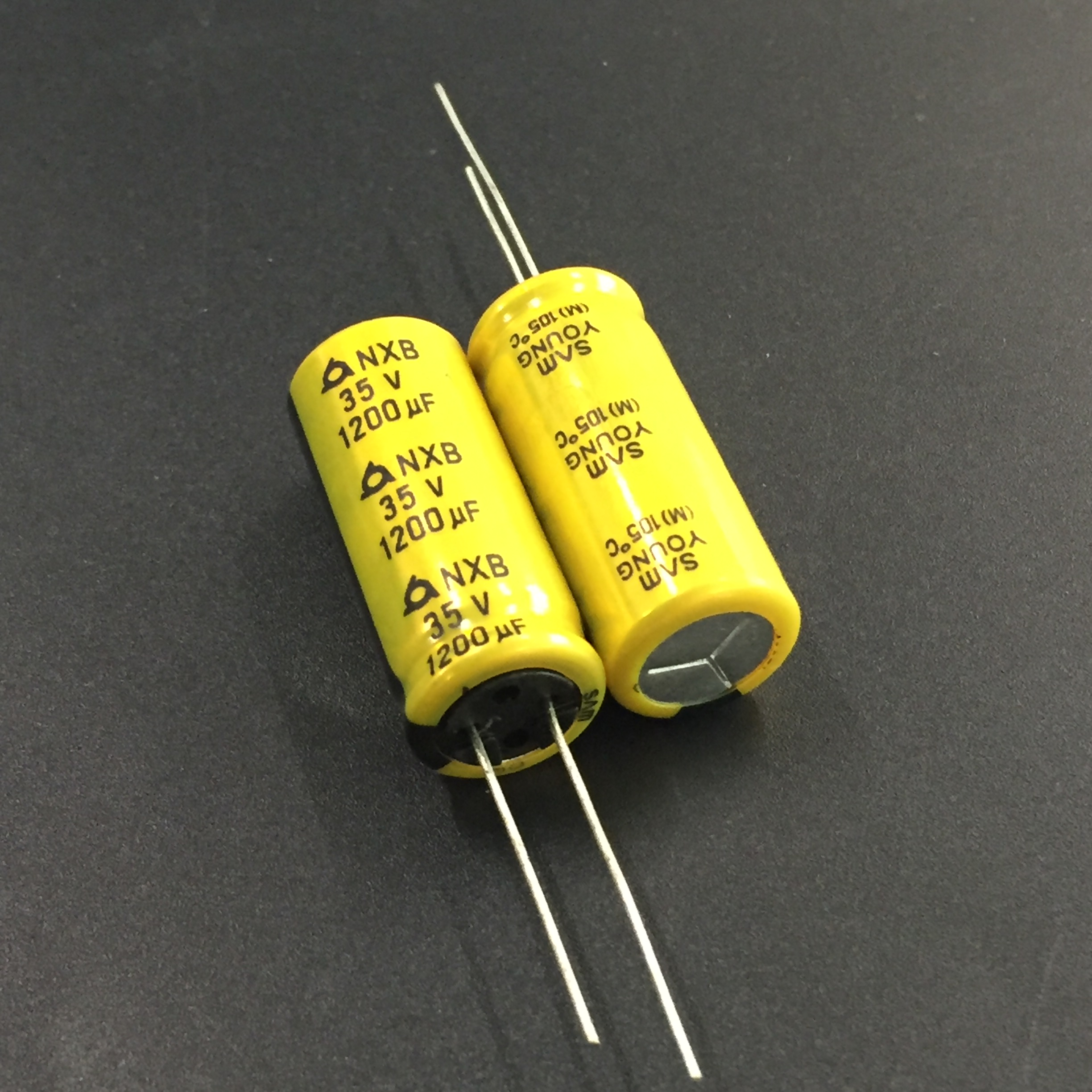 10pcs 1200uF 35V SAMYOUNG NXB Series 12.5x30mm 35V1200uF Low ImpedanceAluminum Electrolytic Capacitor