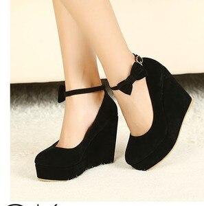 Image 3 - Nero rosso Elegante cunei dei pattini dei cunei sandali per le donne della piattaforma degli alti talloni punta rotonda scarpe tacchi alti bowknot zeppe scarpe