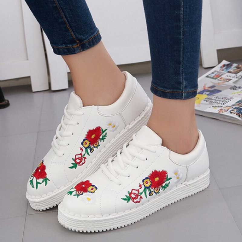2017 spring women casual shoes vintage embroider flats women korean style lace up walking Korean fashion style shoes
