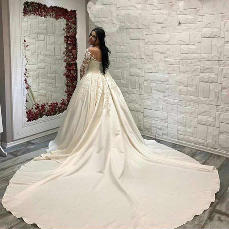 Saudi Arabische Kant Baljurk Satijn Bruidsjurken Lange Mouwen Hals Bruidsjurken Kathedraal Trein Plus Size Trouwjurk