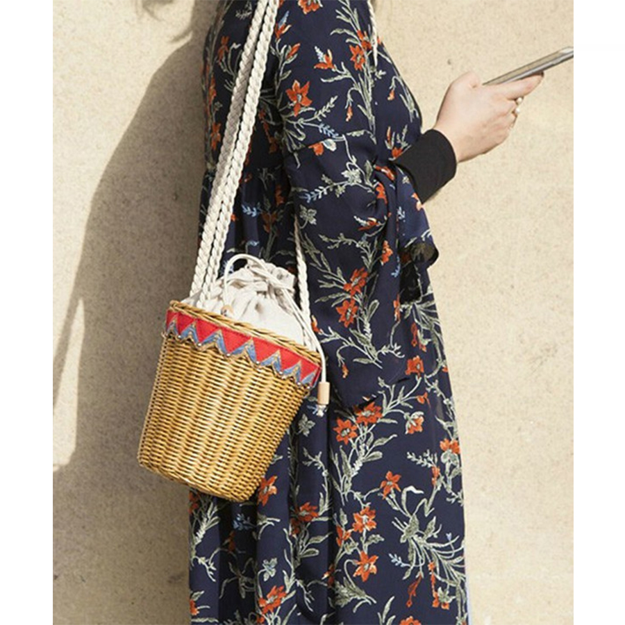 Geometric Barrel-shaped Bags Straw Bags For Women Handmade Woven Basket Bag String Women Handbags Lady Summer Beach Bag 2018 New rerekaxi new bohemian beach bag for women cute handmade straw bags summer grass handbags drawstring basket bag travel tote
