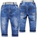 4016 мягкие детские джинсы мальчик джинсы джинсовые брюки маленький отверстие голубой весна осень дети мода новый очень хороший простой