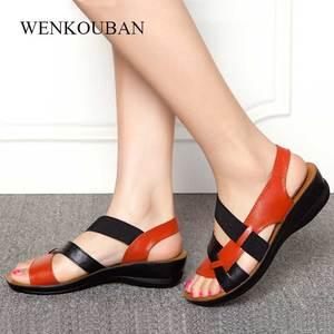 Image 3 - 新しい革サンダルの女性のサンダルの夏の靴 sandalias ウェッジ女性のためのカジュアルシューズ母ソフト浜の靴