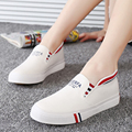 2017 New female canvas shoes shallow mouth foot wrapping breathable casual shoes women lazy shoes size plus size shoes 35-43