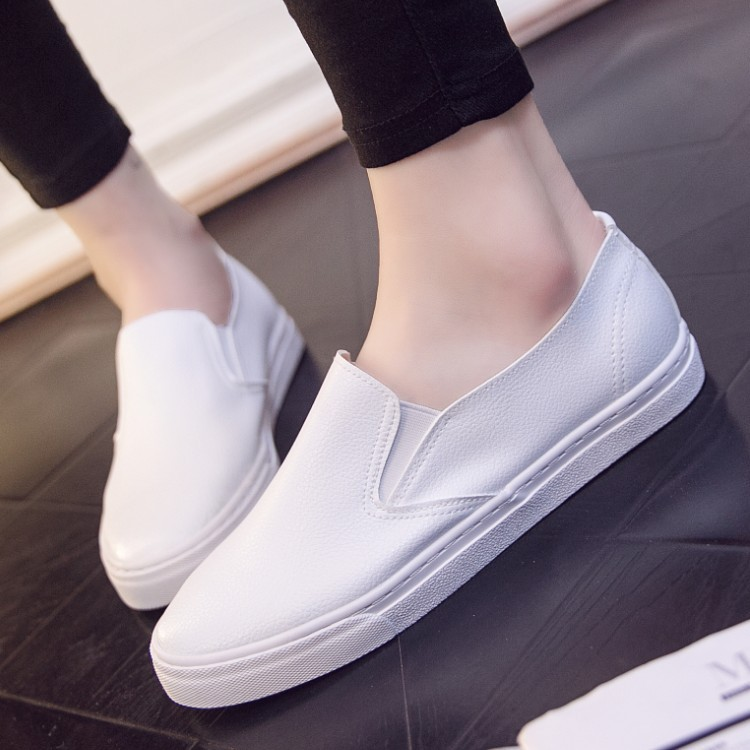 2018 Female Spring Low Top Flats Female Summer Leather Slip On Footwear Lady Casual White Shoes cresfimix women cute spring summer slip on flat shoes with pearl female casual street flats lady fashion pointed toe shoes