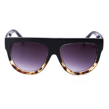 e624e55fbb Gafas de sol moda mujeres Flat Top oversize escudo forma Gafas marca diseño  vintage Sol Gafas UV400 hembra remache cortinas