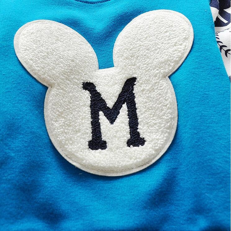 The new cartoon pattern fashion 0-2 year-old male and female baby long-sleeved clothes + free gifts 12