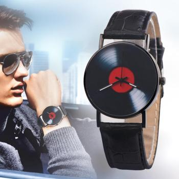 цена Men Simple Retro Vinyl Record Dial Faux Leather Men Women Clock Analog Quartz Wrist Watch Gift онлайн в 2017 году