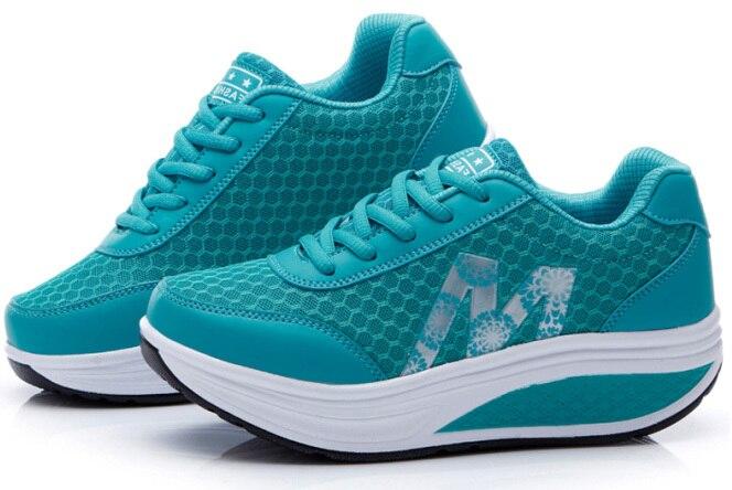 Г. женские дышащие летние женские кроссовки обувь на платформе, увеличивающая рост тонкие туфли на танкетке - Цвет: Blue