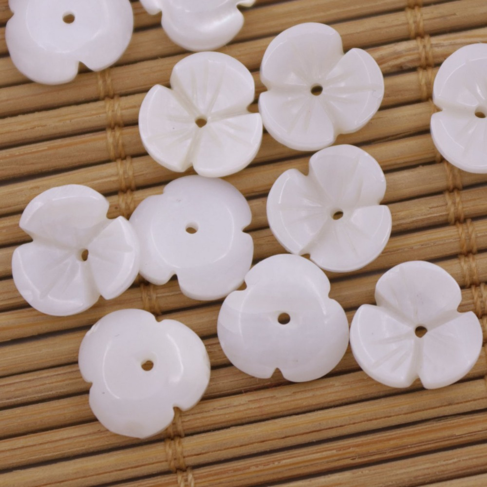 Купить с кэшбэком 50 PCS 10mm Shell Flower Natural White Mother of Pearl Jewelry Making 3 petals