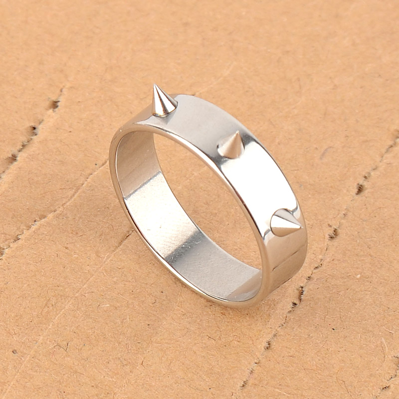 Reinforced type protection ring titanium stainless steel for women with piercing defensive weapon defense supplies in Self Defense Supplies from Security Protection