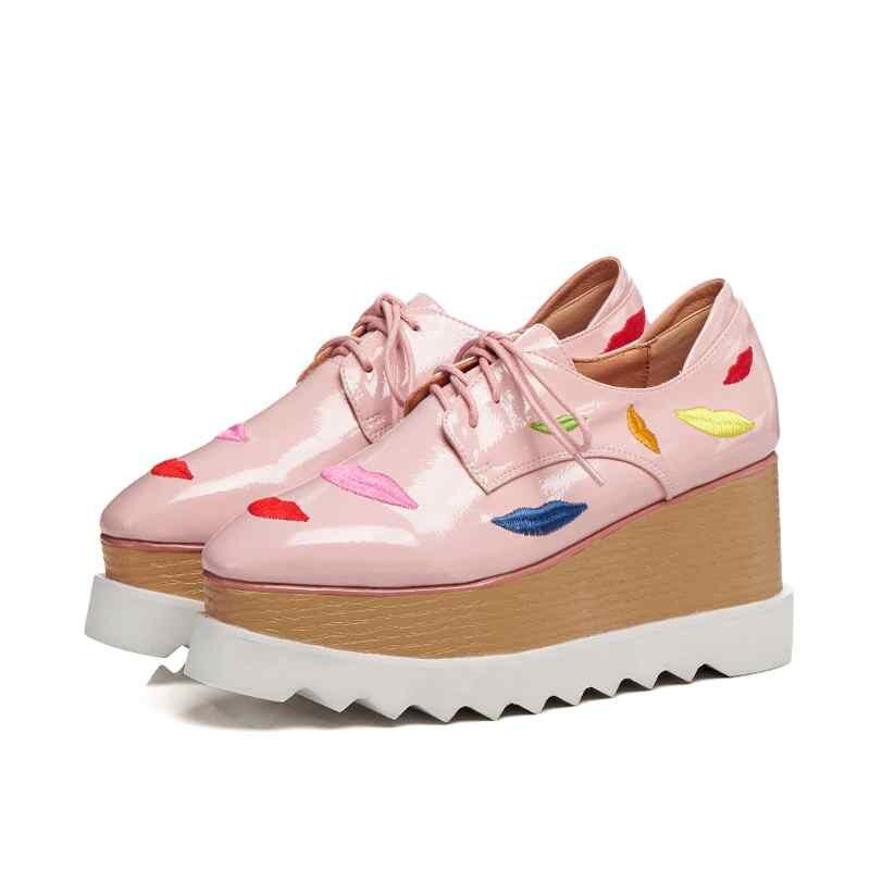 Krazing olla otoño zapatos de marca de cuero de vaca bordado vintage labios patrones de encaje cuñas plus tamaño de la Plataforma de las mujeres bombas L52-in Zapatos de tacón de mujer from zapatos    3