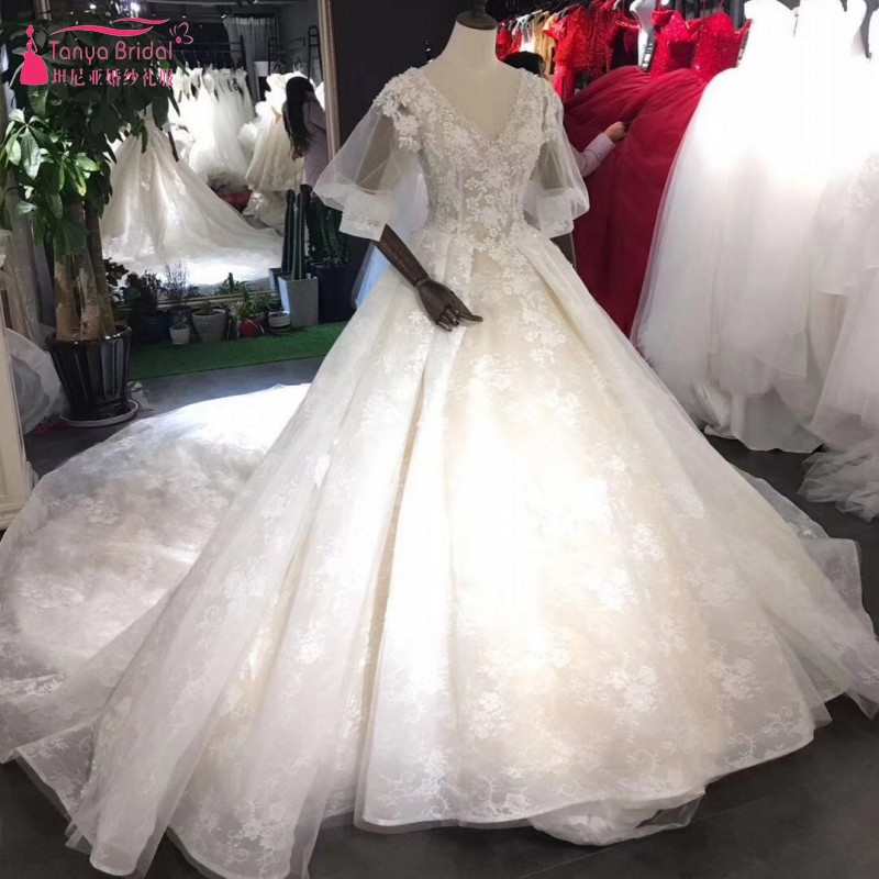 Aliexpress.com : Buy Vintage Long Lace Wedding Dresses V